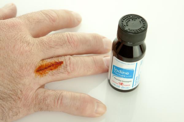 Cómo curar un corte en el dedo - Cómo curar un corte en el dedo correctamente