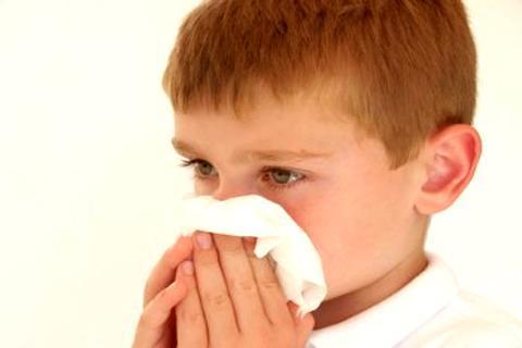 Primeros auxilios en casa - Cómo detener una hemorragia nasal