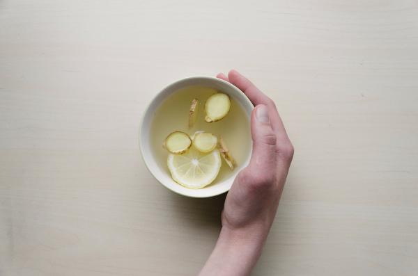 Té de cúrcuma y jengibre para adelgazar - beneficios y cómo prepararlo - Cómo preparar té de cúrcuma y jengibre para adelgazar