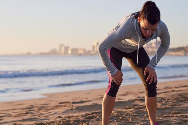 Granos en la espalda y hombros: causas - Uso frecuente de prendas húmedas