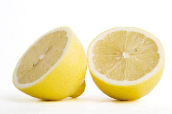Remedios caseros para las picaduras de mosquitos - Zumo de limón para aliviar las picadas
