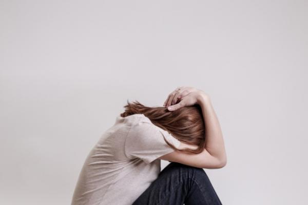 Resequedad en la garganta al dormir: causas y tratamiento - Estrés y ansiedad
