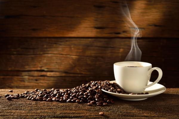 Cómo cubrir las canas de forma natural - Café