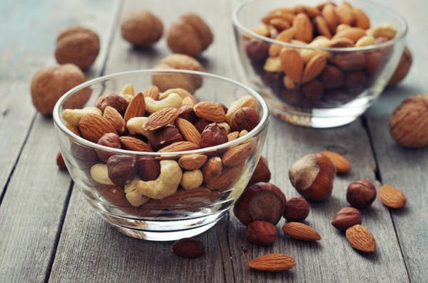 Alimentos para fortalecer los huesos - Fósforo y vitamina K