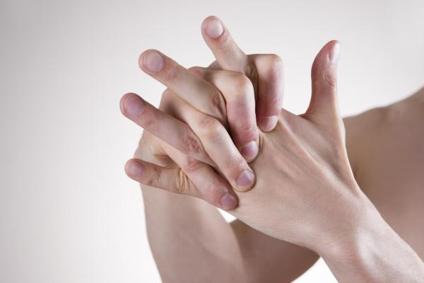 Formigamento nas pontas dos dedos: causas