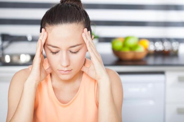 Dor na fonte - causas e tratamento