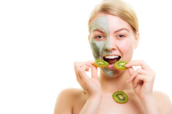 Tratamento caseiro para espinhas e pele oleosa