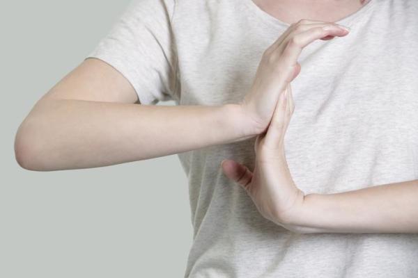 Dor nos dedos das mãos: o que pode ser - Dor nos dedos das mãos, o que pode ser?