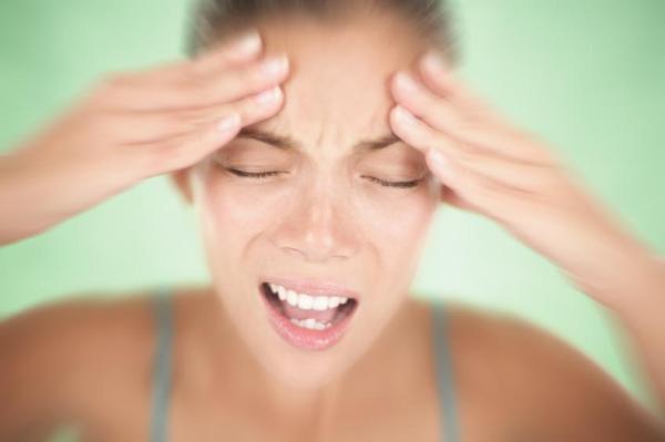 Dor atrás dos olhos: causas e tratamento - Dor atrás dos olhos: o que pode ser