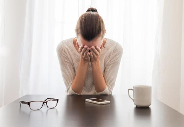 Síndrome de tensão pré-menstrual: tratamento, causas e duração