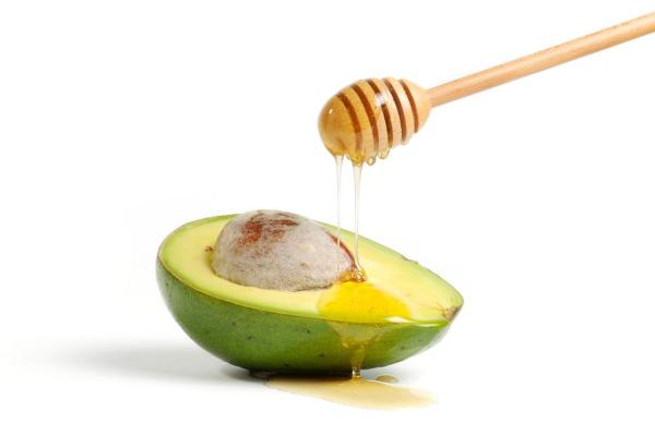 Hidratação com abacate para cabelos ressecados - Hidratação com abacate e mel