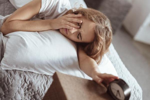 Acordar cansado e desanimado é normal?