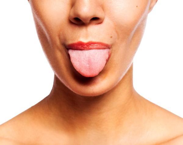 Bolinhas vermelhas na língua: porque surgem e como curá-las