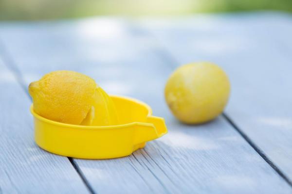 Remédios caseiros para as glândulas salivares inflamadas - Limão: remédio caseiro para glândulas salivares inflamadas