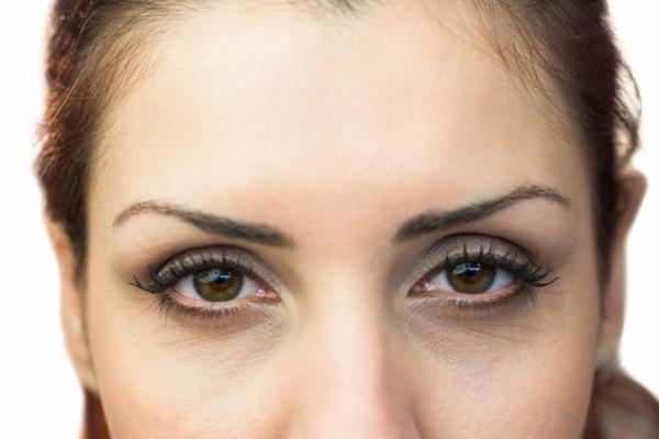 Olhos secos: causas e tratamento - Olhos secos: sintomas