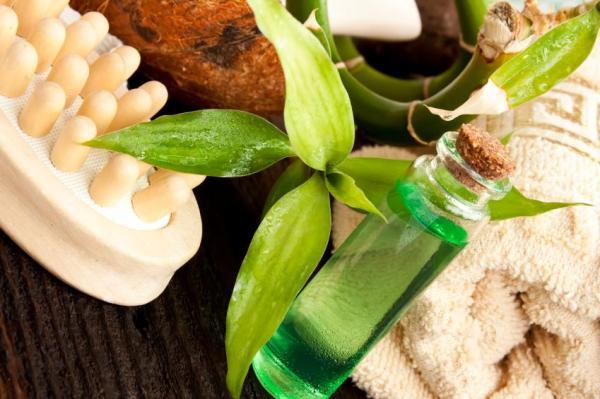 Remédios naturais para a candidíase vaginal - Banho de assento com óleo de melaleuca