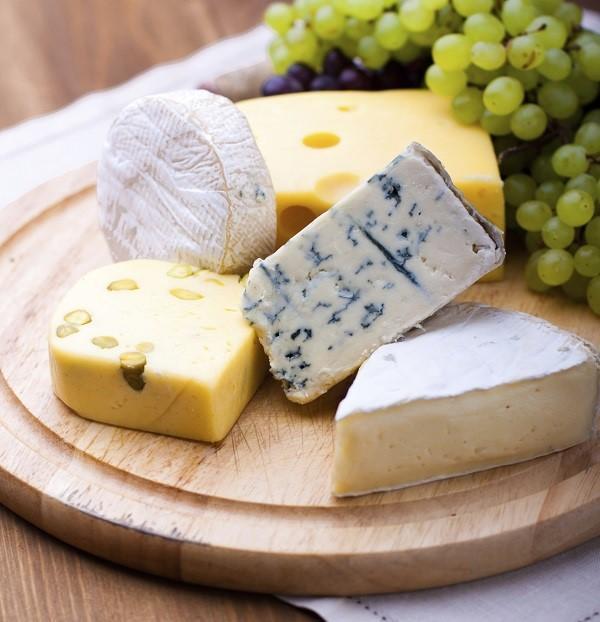 Alimentos que clareiam os dentes - Os queijos