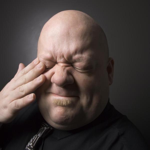 Sensação de areia nos olhos: causas - Corpo estranho no olho, o que fazer?