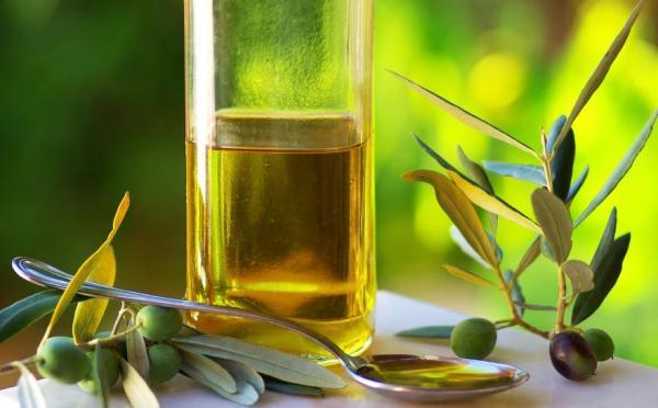 Remédios caseiros para a artrose nas mãos - Azeite de oliva como remédio caseiro para artrose