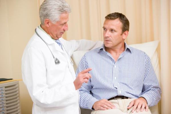 Pênis inflamado: causas e tratamento - Fimose como causa da inflamação peniana