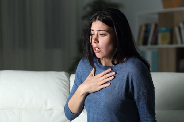 Sensação de garganta fechando, o que pode ser? - Ansiedade ou estresse