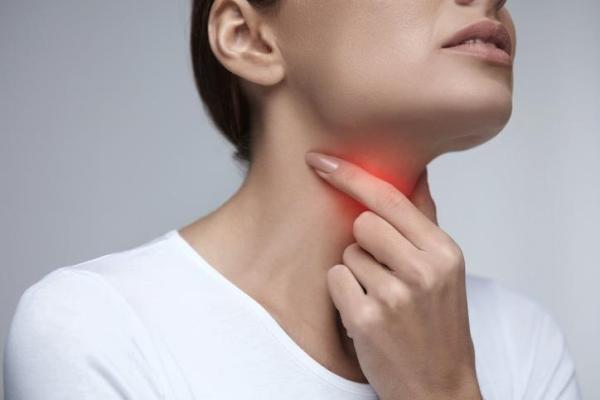 Sensação de garganta fechando, o que pode ser?