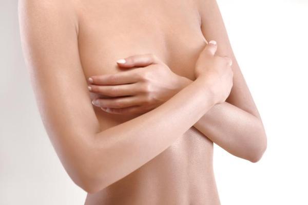 É normal sair leite da mama não estando grávida?
